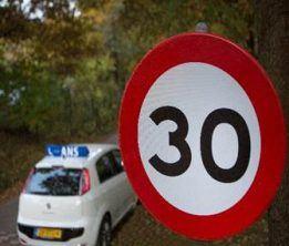 Snelheidsbord 30 km - Fiat autorijschool Ans